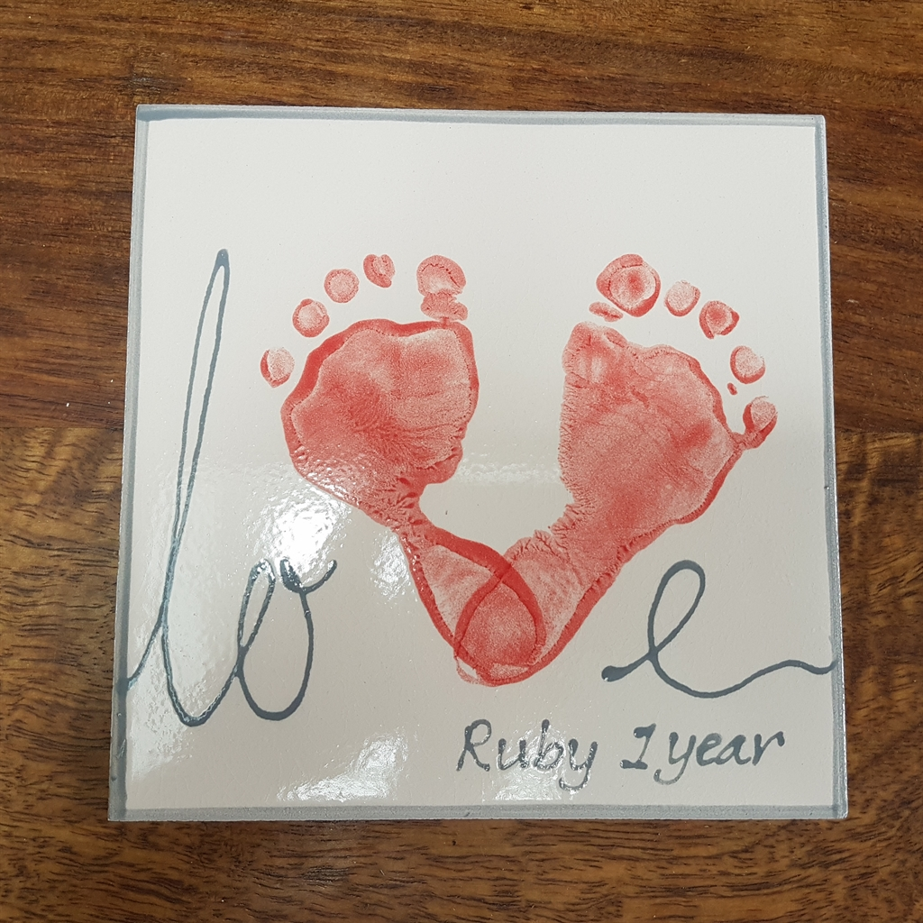 Flying_Colours_Pottery_Mobile_pottery_painting_Bromley_babyfootprint_plate_treasured_keepsake_valentines