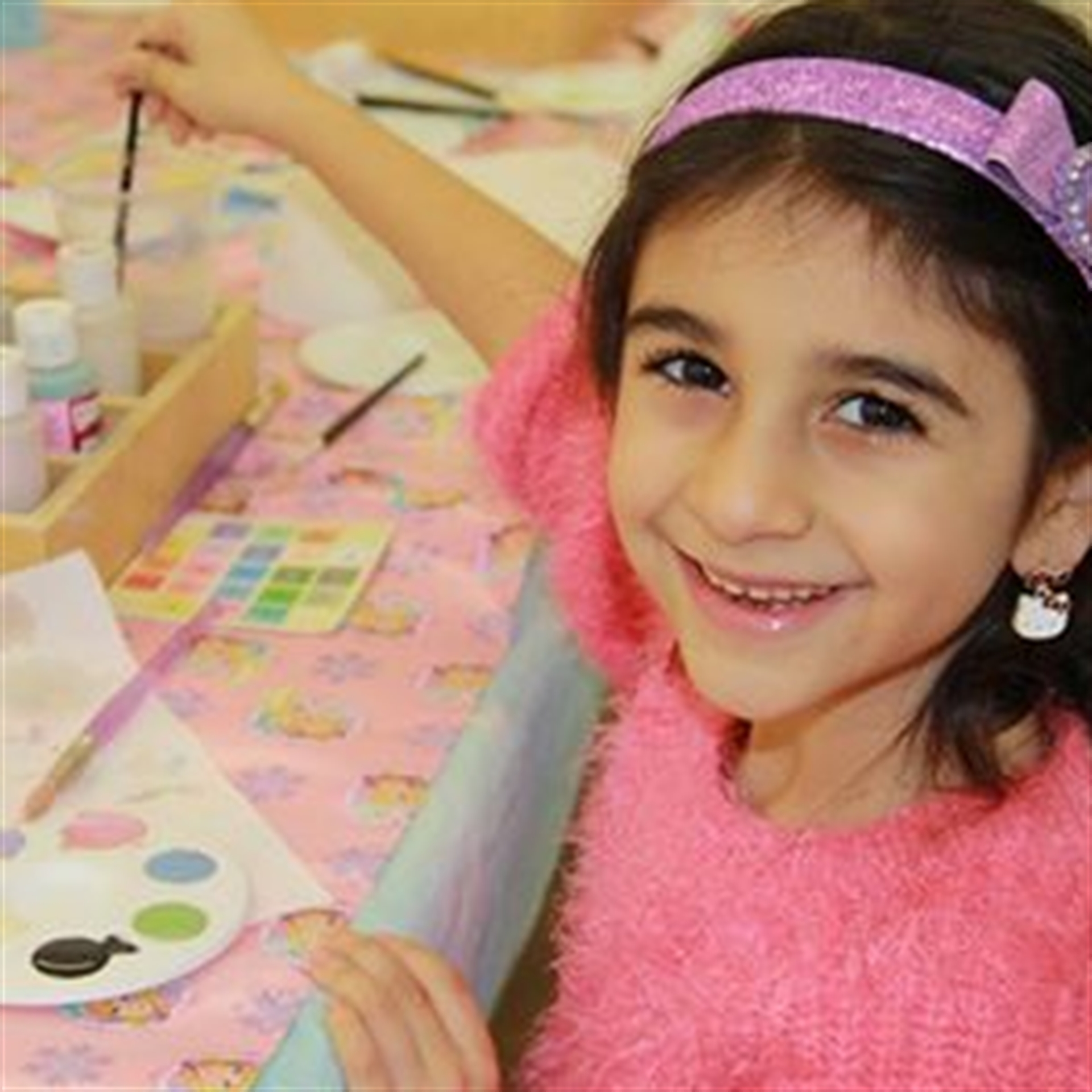 Flying_Colours_Pottery_painting_childrens_parties_party_Bromley